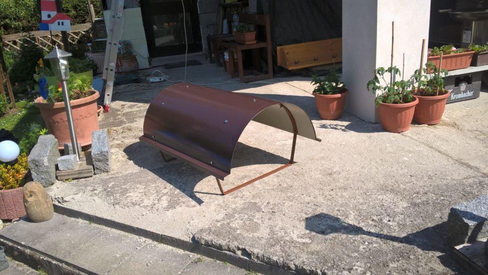 Stříška nakomín - lakovaný ocelový plech